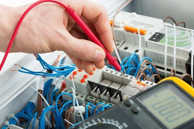 commercial electrician in Midland, TX